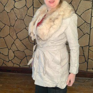 Vintage 70s white suede coat w/real fox fur collar